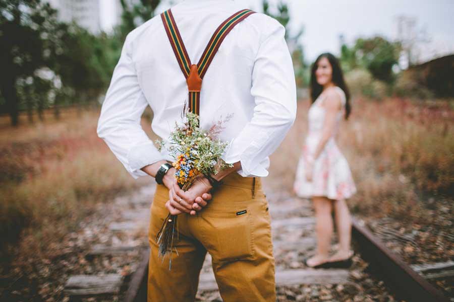 Se vuoi donare un mazzo di fiori rivolgiti al tuo fioraio di fiducia
